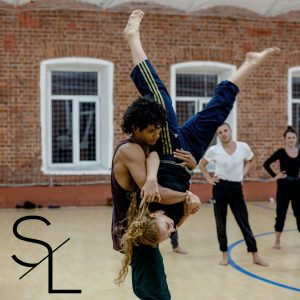 performing acrobatix programme